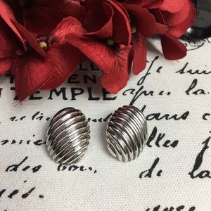 Vintage Jewelry - Vintage Mexico Oval Sterling Silver Earrings
